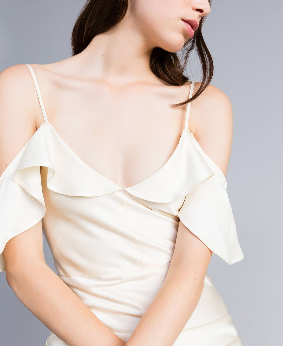 Robe longue en envers satin avec ruches Blanc Neige Femme TA8243-05