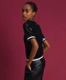 Cropped-Pullover mit aufgestickten Pailletten Zweifarbig Schwarz / Lilie Frau 192MP3122-02