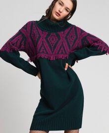 Robe en maille jacquard avec motif ethnique Jacquard Ethnique Vert Foncé / Rouge Betterave Femme 192TP3041-01