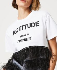 T-Shirt mit Federn und Strass Optisches Weiß / Schwarz Frau 211MT2600-06