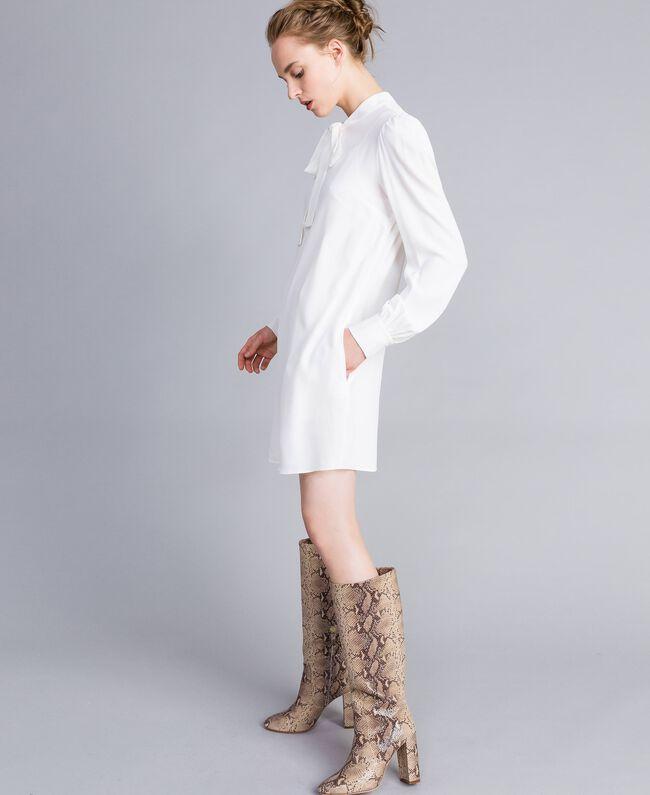 Tunikakleid aus Seidenmischung Weiß Schnee Frau PA828D-01