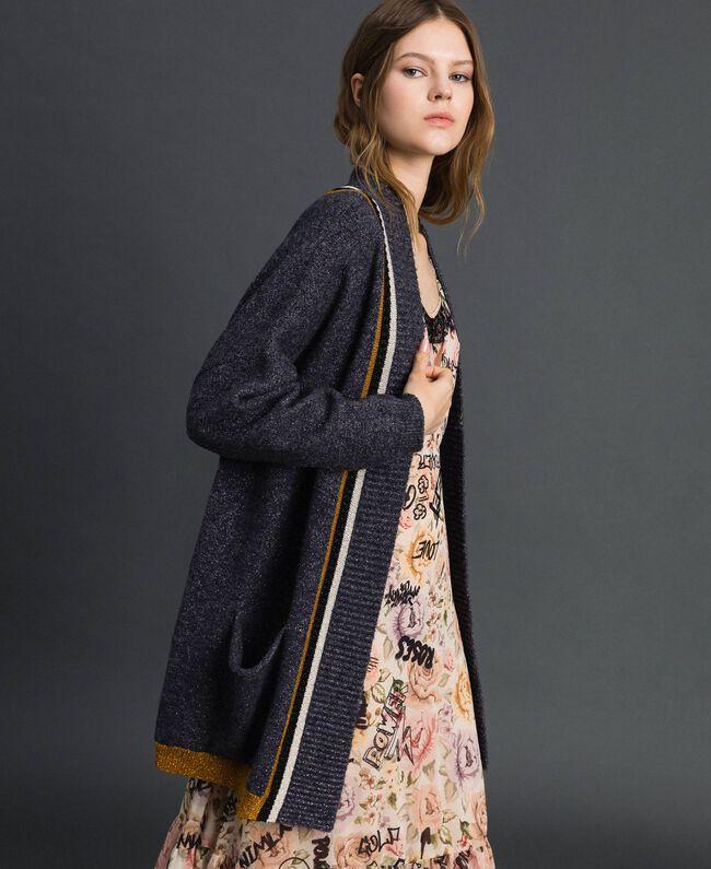 Maxi cardigan avec détails contrastés Plomb / Violet Pâle / Argent Femme 192MP3070-01