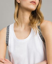 Tank top with removable fadeout feathers White Woman 191TT2205-05