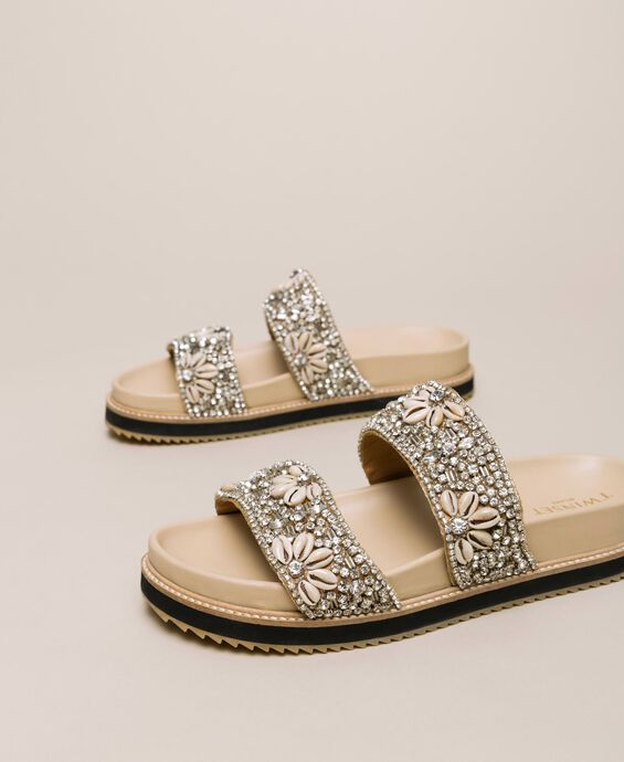 Leather sliders with embroidery