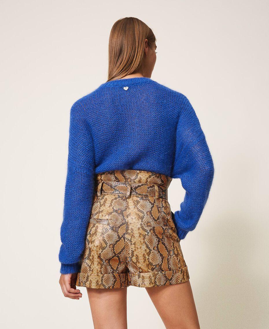 Shorts aus Lederimitat mit Animalprint Schlangenprint Walnuss / Tabak Frau 202TT2226-03