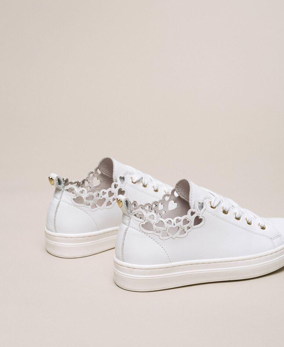 Sneakers in nappa con ricamo Bianco Bambina 201GCJ070-03