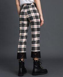 Расклешенные шерстяные брюки в клетку Снежно-Белый Жаккардовый Тартан женщина 192TP2622-03