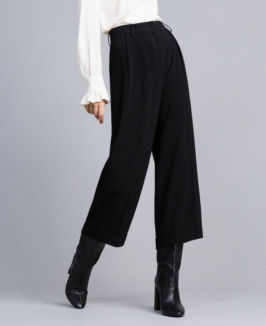 Pantaloni cropped in envers satin Nero Donna TA824K-02