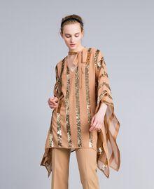 Poncho aus Georgette mit Pailletten Camel Frau PA82J4-01