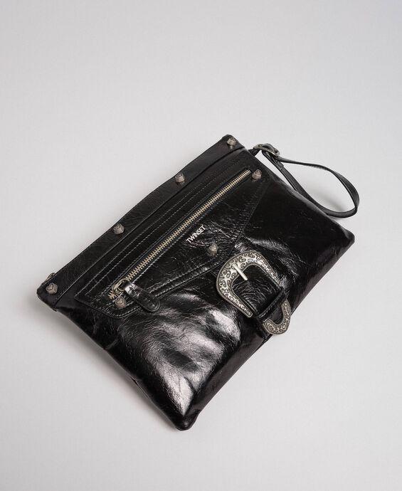 Pochette en cuir avec boucle décorative