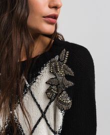Boxy jumper with diamond patterned inlays and embroidery Inlay Black Woman 192TP3221-04