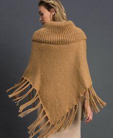 Poncho in maglia con castoni e frange Cammello Donna 192TO5367-03