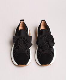 Sneakers in tessuto con maxi fiocco Nero Donna 191TCP154-05