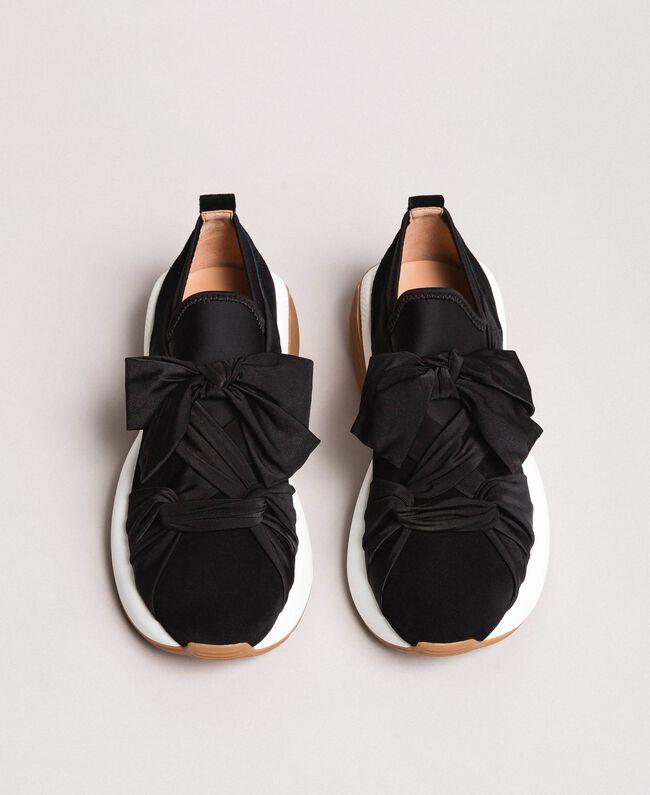 timeless design 5ceac f5ff9 Textil-Sneaker mit Riesenschleife Frau, Schwarz   TWINSET Milano