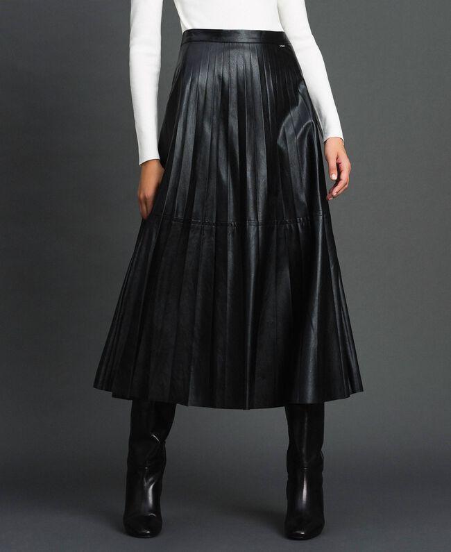 Midirock aus plissiertem Lederimitat Schwarz Frau 192ST2015-01
