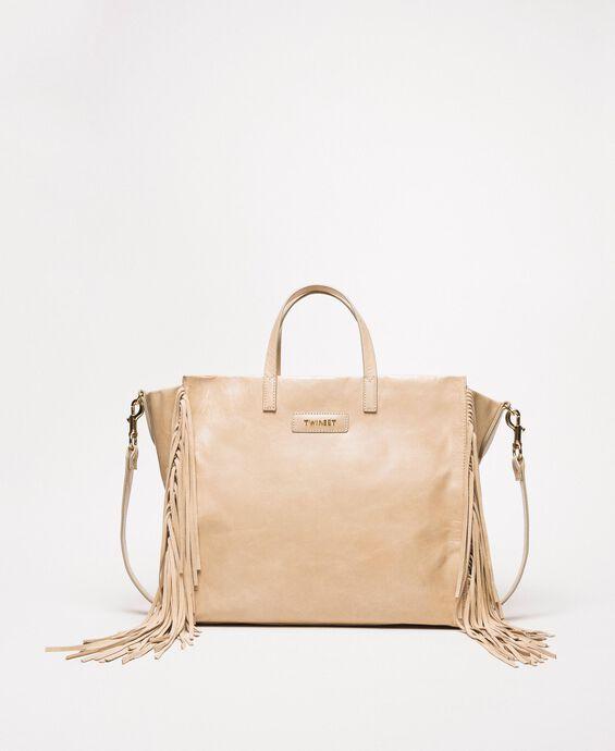 Большая кожаная сумка-шоппер с бахромой