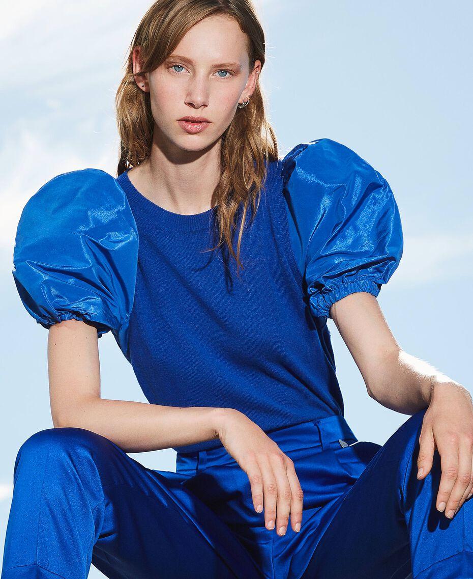 Pullover aus Wollmischung mit Taftärmeln Dunkles Kornblumenblau Frau 202TP3250-01