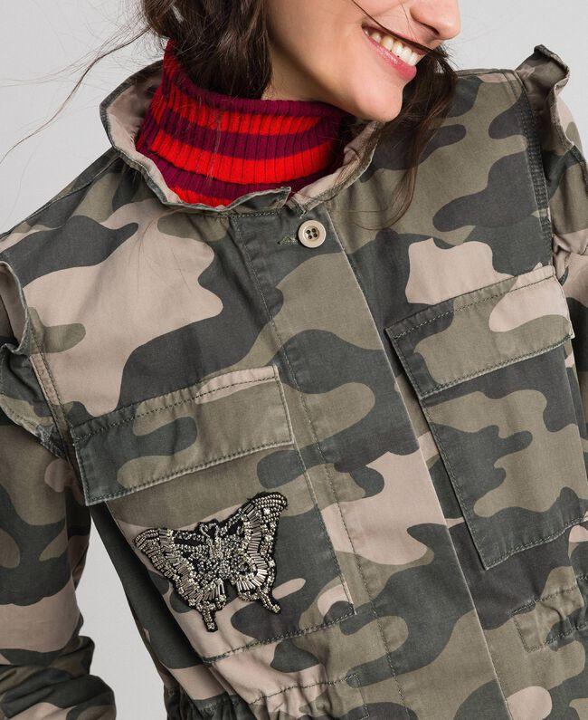 Blouson avec imprimé camouflage et broderies Imprimé Camouflage Femme 192TP2032-04