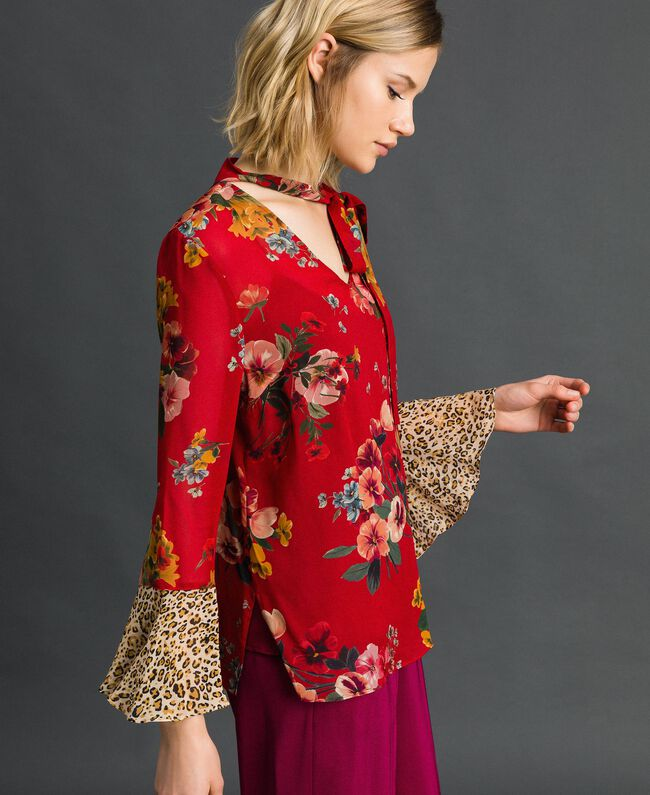 Floral and animal print blouse Pomegranate Meadow Print Woman 192TP2751-01