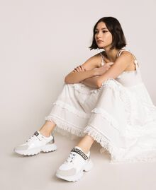 Chaussures de running avec détail bijou Blanc Vanille Femme 201MCP092-0S