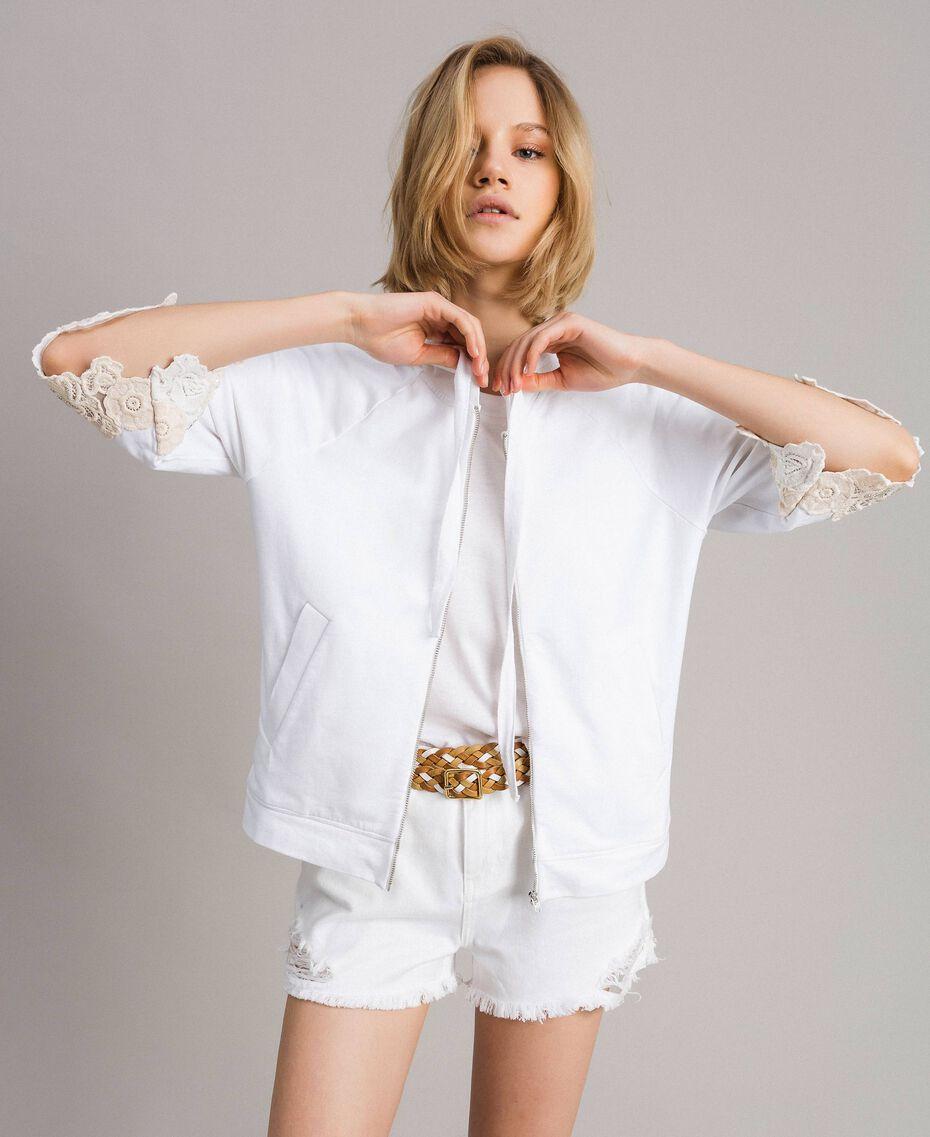 Sweat-shirt avec patchs floraux brodés Blanc Femme 191TT2211-01