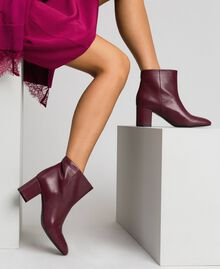 Leather ankle boots Beet Red Woman 192TCP102-0S