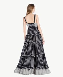 Langes Kleid mit Prints Gestreifter Patch-Print Frau TS82ZT-03