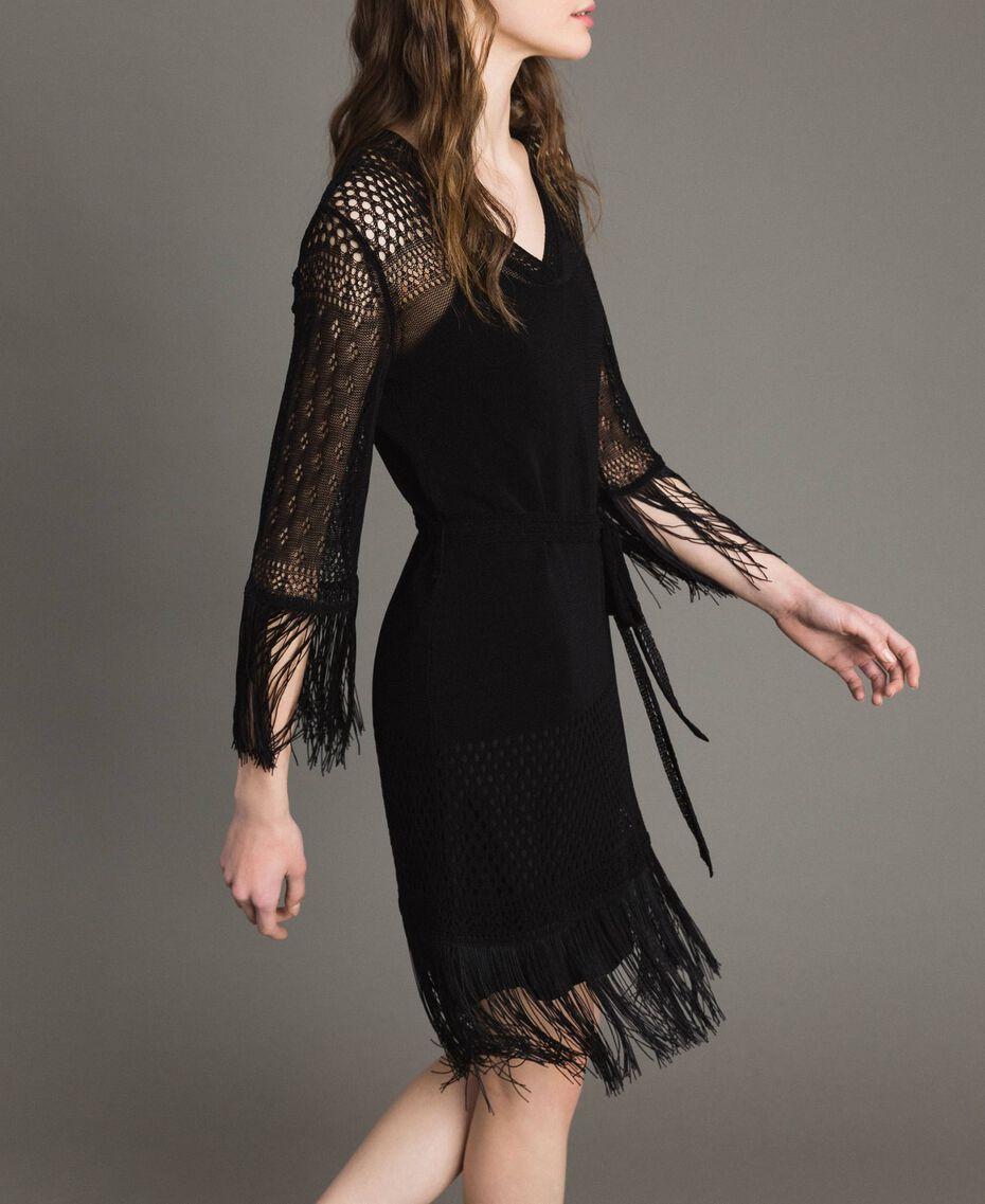 Kleid mit Netzmaschen und Fransen Schwarz Frau 191TT3060-02