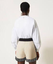 Short en lin mélangé avec broderies Bicolore Beige «Dune» / Noir Brodé Femme 211TT2613-03