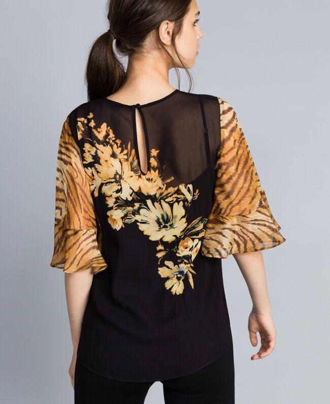 Blusa in georgette con mix di stampe Stampa Fiore / Tigre Donna TA825D-04