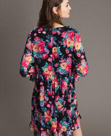 Georgette-Kleid mit Blumenmuster Motiv Schwarze Blumen Frau 191MP2331-03