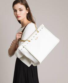 Shopper aus Lederimitat mit Nieten White Sahne Frau 191MA7143-0S