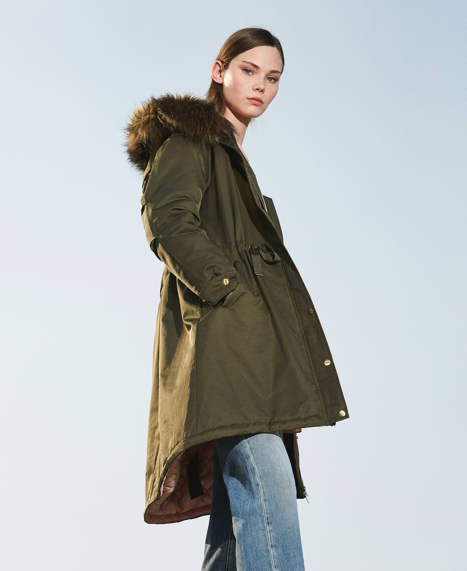 Parka con capucha y pelo sintético Dark Olive Green Mujer 202MP2020-01