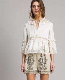 Seiden-Satin-Bluse mit Spitzenbesatz Weiß Schnee Frau 191TT2014-01