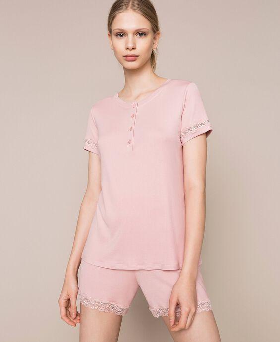 Короткая пижама в рубчик с кружевом