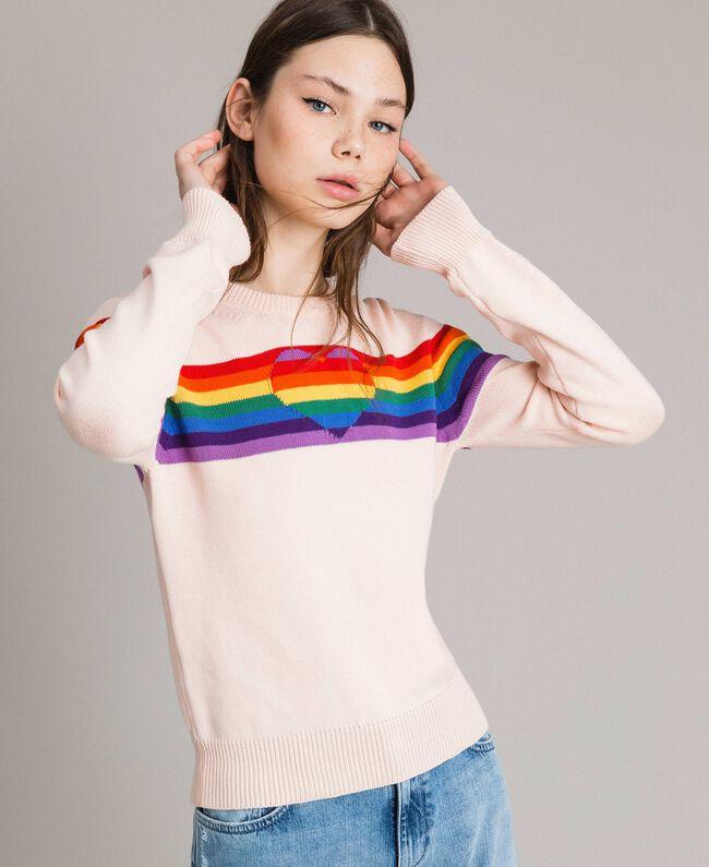 Pullover mit mehrfarbigen Streifen und Herzintarsie Blütenknospenrosa Frau 191TP3011-01