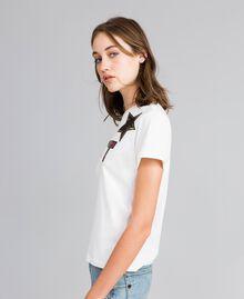 T-shirt en coton avec logo patch Nacre Femme YA82TD-02