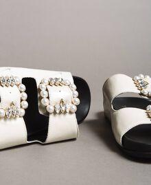 Leder-Sandalen mit Schnallen und Perlen Weiß Schnee Frau 191TCT09A-05
