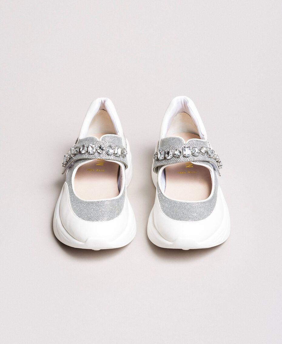 Кроссовки с камнями Сливочный White женщина 191MCP03C-01