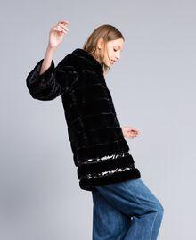 Mantel aus Pelzimitat mit Pailletten Schwarz Frau PA82KB-01