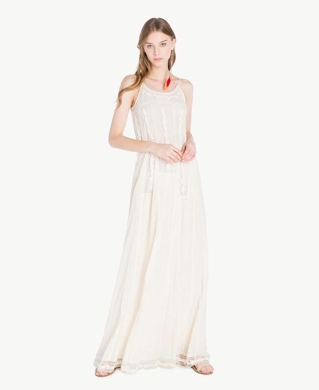 Langes Kleid mit Stickereien Elfenbein Frau TS82BD-01
