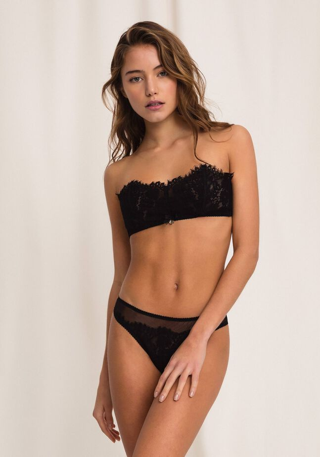 Lace and tulle g-string
