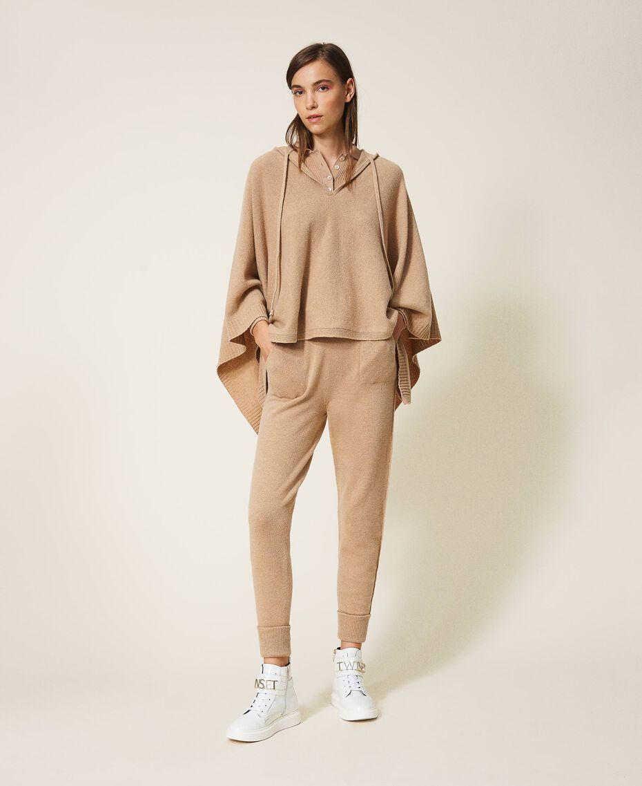 "Cashmere and wool joggers ""Pastel Skin"" Beige Woman 202TT3014-02"
