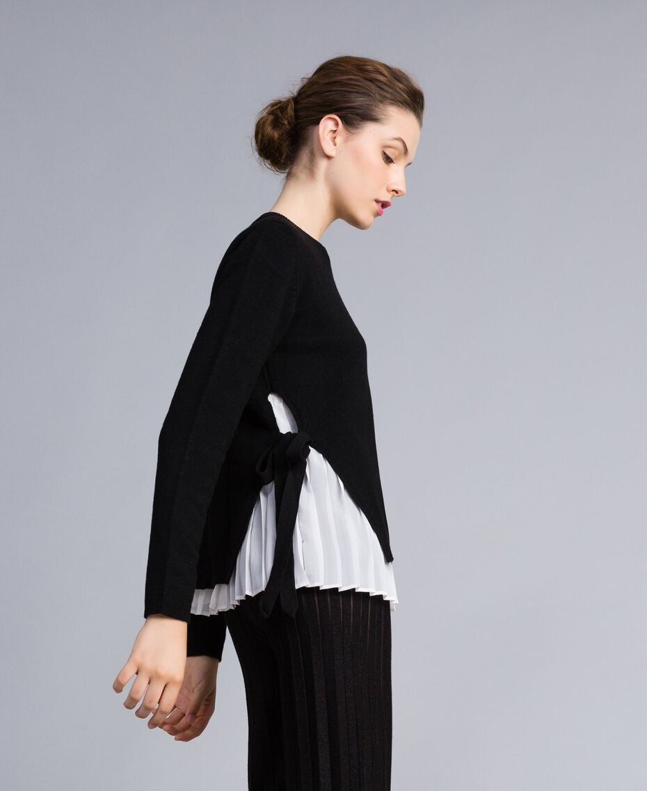 """Wool and cashmere jumper with pleated top Bicolour Black / """"Snow"""" White Woman PA831C-02"""
