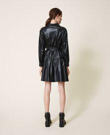 Kleid aus Lederimitat mit Gürtel und Volant Schwarz Frau 202ST2015-04