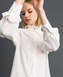 Hemd aus Crêpe de Chine aus Seidenmischung Weiß Schnee Frau 192TP2100-04