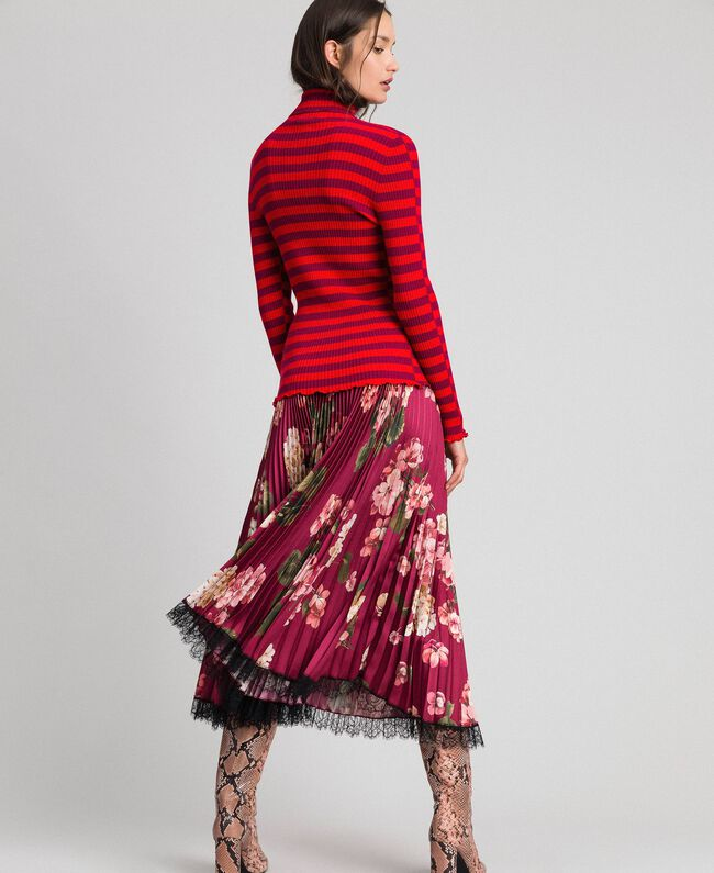 Turtleneck jumper with two-tone stripes Beet Red / Pomegranate Stripe Woman 192TP3090-03