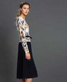 Kleid aus Gestrick und Crêpe de Chine mit Gürtel Herbstblumenprint Sahne Frau 192ST3225-02