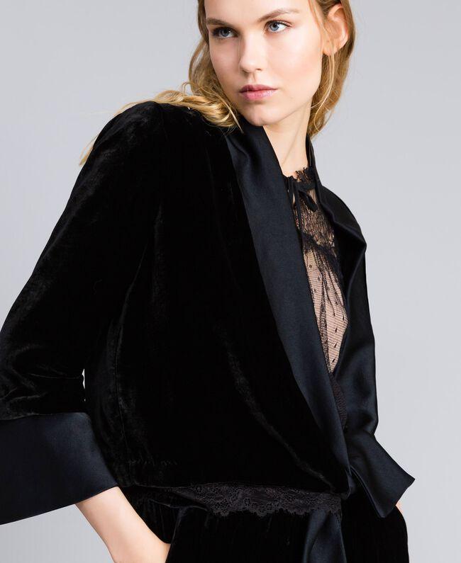 Jacke aus weichem Samt Schwarz Frau TA826R-04