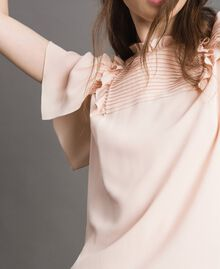Rüschen-Bluse aus Seide-Mix Blütenknospenrosa Frau 191TP2136-04